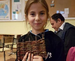 A fiatal tanítvány kész termékkel