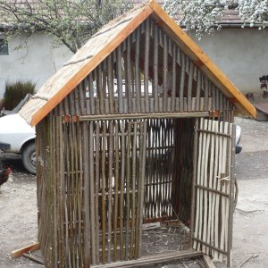 [:ro]Produse din alun[:hu]Mogyorófa termékek[:en]Wickerwork from hazel rod[:]